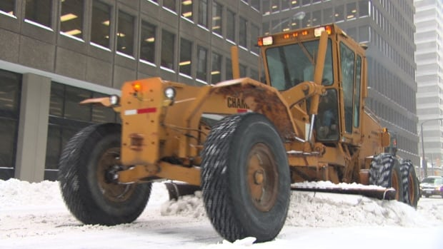 City of Ottawa staff knew it would exceed its 2015 winter operations budget because of all the snow removal in January, February and March.