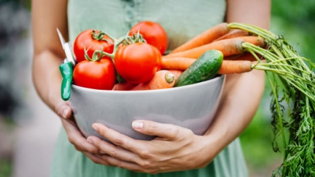 Vancouver dietician Nina Hirvi says people shouldn't make resolutions about losing a certain number of pounds, but should make specific, achievable behavioural changes instead — such as eating four cups of produce a day, for example.