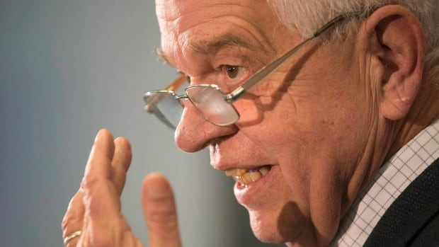 """Immigration Minister John McCallum says the government remains committed to doubling to 10,000 the number of applications it will process each year for family reunification of parents and grandparents, despite accusations from the Conservatives of """"yet another unachievable Liberal campaign promise."""""""