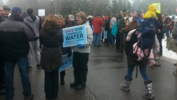 Hundreds of protesters gathered at Shawnigan Lake Jan. 6, 2016 to voice their opposition to a soil dumping site near their watershed.