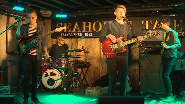 The band Glory Glory came up with the idea to hold a fundraising concert for Halifriends of Refugees.