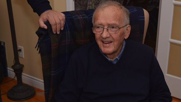Alex Hickman, who is dead at 90, had a lengthy career in politics and the judiciary.