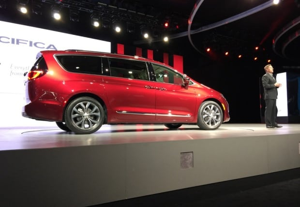 Chrysler Pacifica unveiled at Detroit auto sho