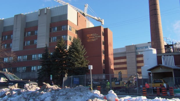 The bidding process to award the $135-million project to expand the University of Ottawa Heart Institute began in September 2013 and was awarded to PCL Constructors Canada Inc. in November 2014.