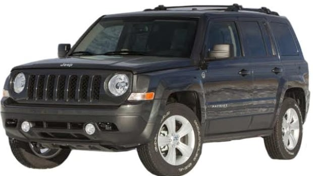RCMP are looking for the driver of newer-model, grey Jeep Patriot after a man impersonating a police officer pulled over a female driver in Blackfalds, Alta.