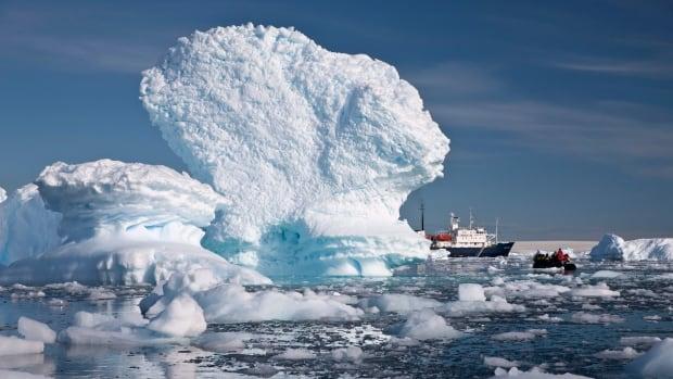 external image antarctica-tourism.jpg