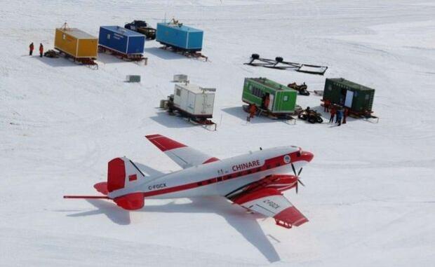 Antarctic plane