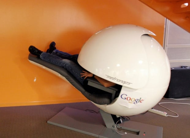 Why google 39 s workplaces make other office workers envious for Office nap pod