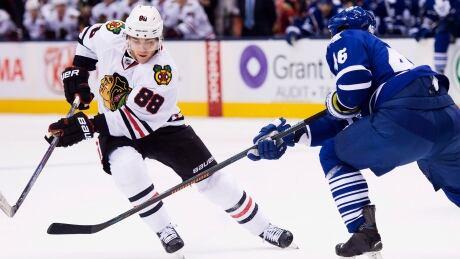 Blackhawks Soar Past Leafs For 10th Straight Win