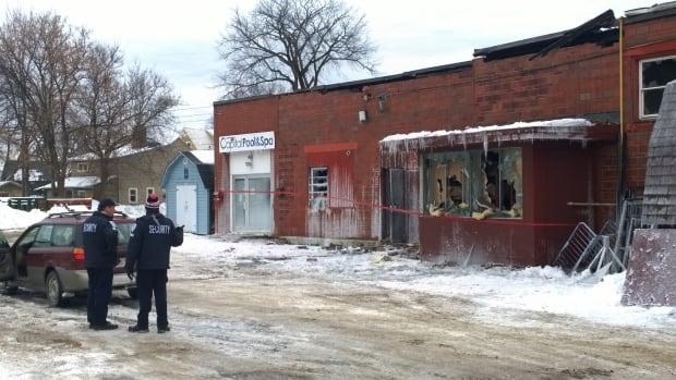 Investigators are looking for the cause of a fire at Tommy's Flooring Canada.
