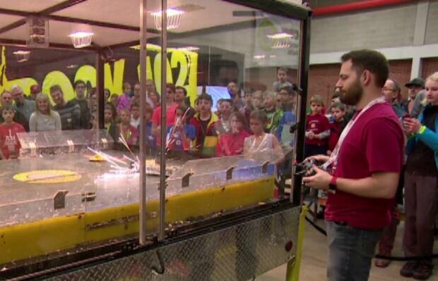 Saskatoon - robot battle