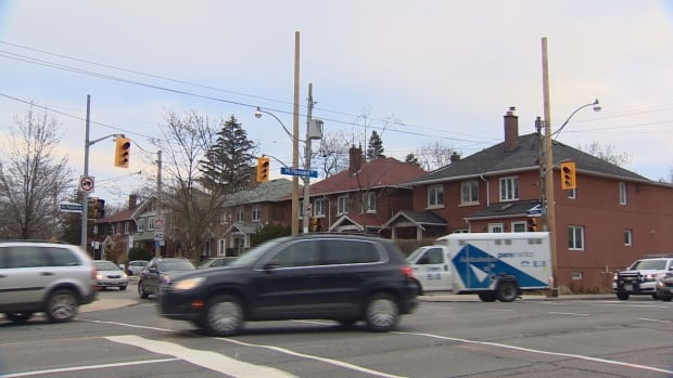 The brief afternoon outage knocked out power to traffic lights throughout the affected area, causing back-ups on several main thoroughfares.