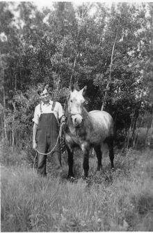 Willie younger with horse