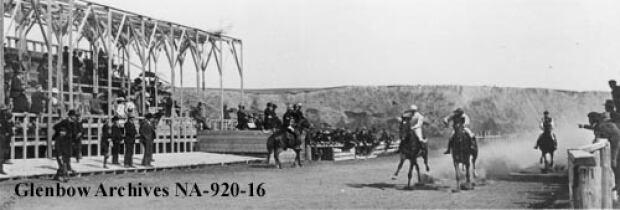 Calgary horse race, 1900