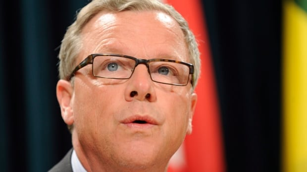 Saskatchewan Premier Brad Wall wants the federal government to consider helping out the energy sector.