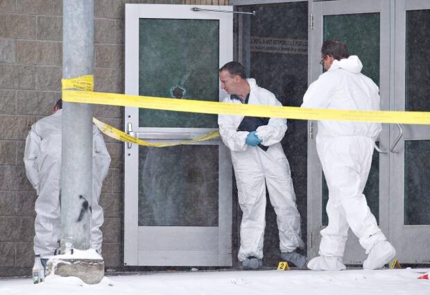 Sask Shooting police investigate la loche