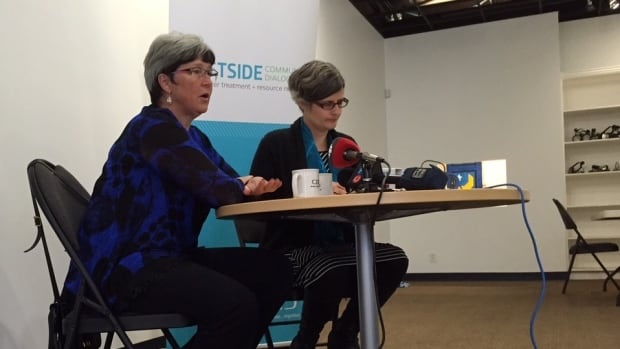 Colwood Mayor Carol Hamilton (left) and Victoria Mayor Lisa Helps appear together at a media event to launch public consultation on sewage treatment options for the Capital Regional District.