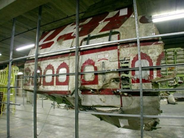 Air India 182-hangar