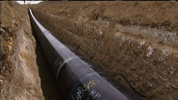 The federal government is getting input from industry, economists and environmental groups on how to calculate the environmental effects of pipeline development.