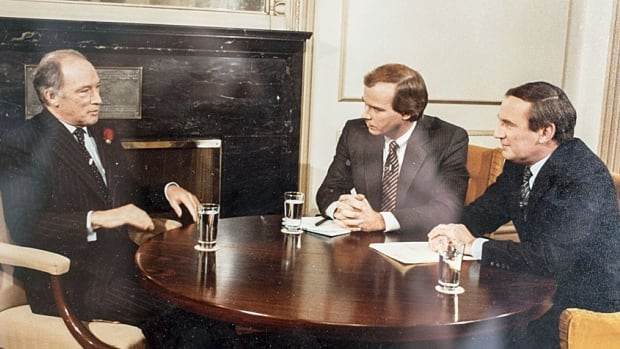 A younger Peter Mansbridge (C) and political correspondent David Halton interview then prime minister Pierre Trudeau in the late 1970s. A format that didn't change all that much over the years.