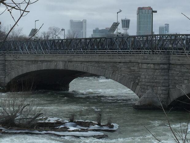 Niagara Falls bridge repair