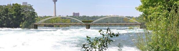 Niagara Falls bridge proposal