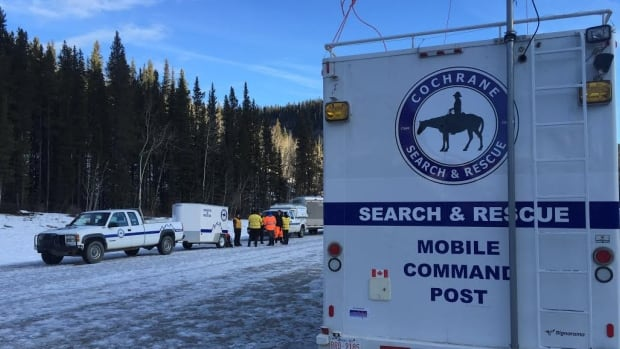 Four missing hikers from Calgary were found safe and healthy after spending the night in the wilderness near Bragg Creek.