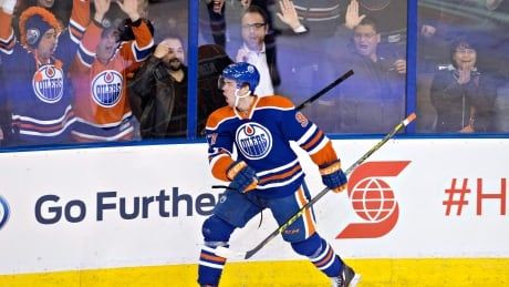 Connor McDavid Sparks Oilers To Romp Over Blue Jackets