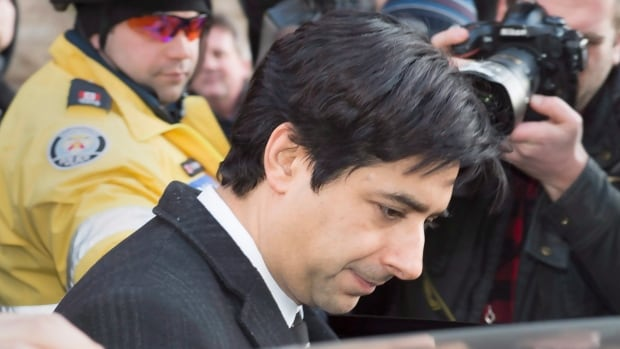 A former Crown prosecutor says he thinks it's unlikely that Jian Ghomeshi will testify at his sexual assault trial in Toronto.