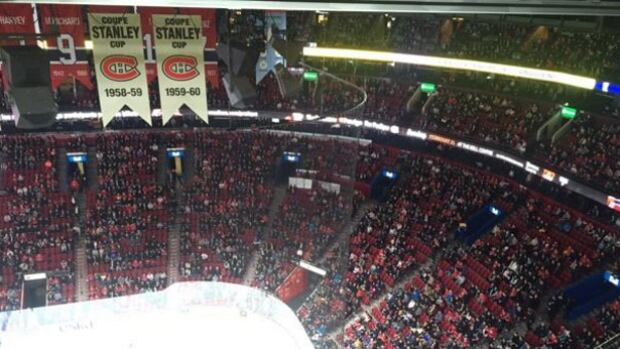 The Bell Centre is emptier than usual, causing it to trend nationwide as the Montreal Canadiens take on the Buffalo Sabres Wednesday night.