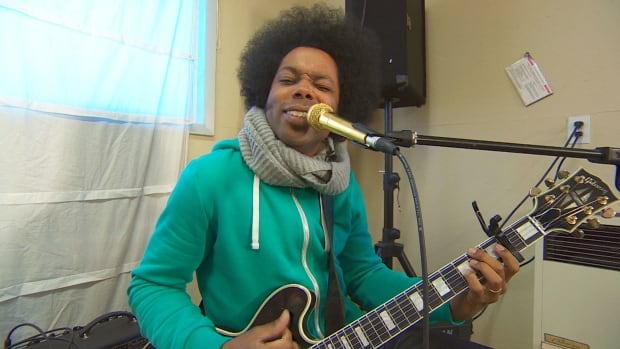 Alex guitar