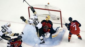 Sidney Crosby surpasses 900-point mark in comeback win
