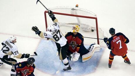 Sidney Crosby Surpasses 900-point Mark In Comeback Win