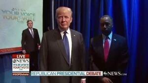 Republican debate's awkward opening