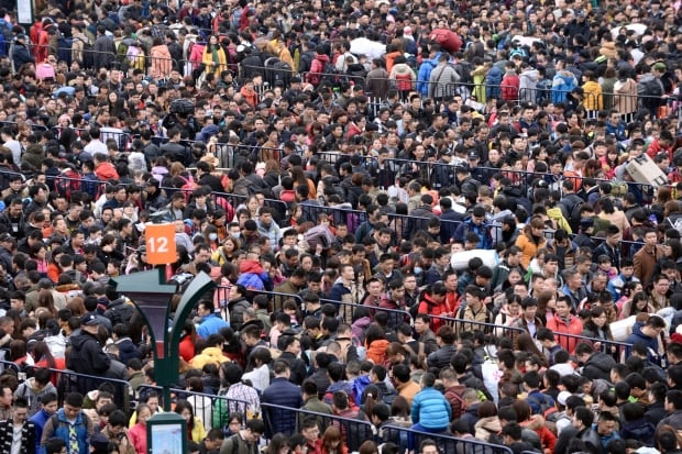 LUNAR-NEW YEAR Guangzhou CHINA travel crush Feb 2 2016