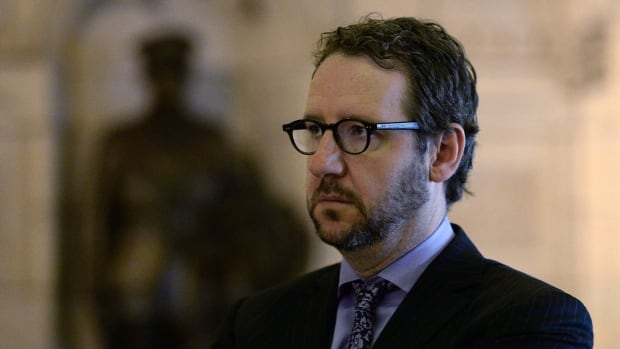 Justin Trudeau's principal secretary, Gerald Butts, engaged in a lengthy exchange on Twitter Tuesday regarding the Liberal government's new anti-ISIS plan.