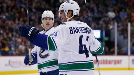 Canucks end 4-game losing streak burying Avalanche