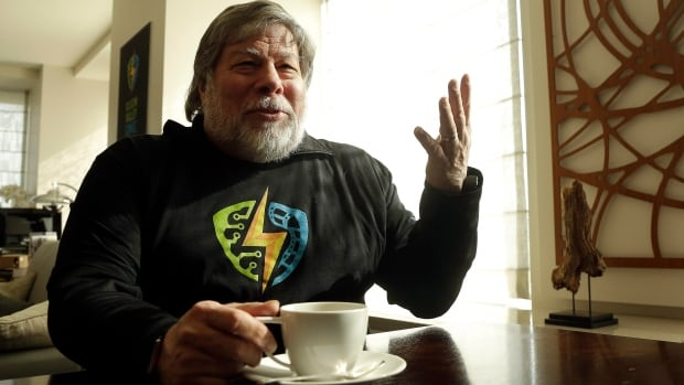 Apple co-founder Steve Wozniak is helping to create the inaugural Silicon Valley Comic Con, which will be held from March 18-20, 2016, in San Jose, Calif.