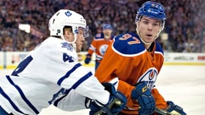 Connor McDavid's career night leads Oilers past Leafs