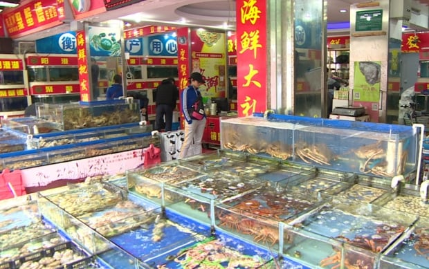 Seafood shop in Shanghai