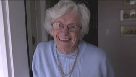 Comox Valley teens give 86-year-old great-grandmother unforgettable Valentine's Day suprise