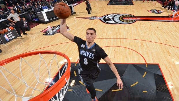 Zach LaVine, of the Minnesota Timberwolves, won his second-straight slam dunk contest in dramatic fashion on Saturday night.