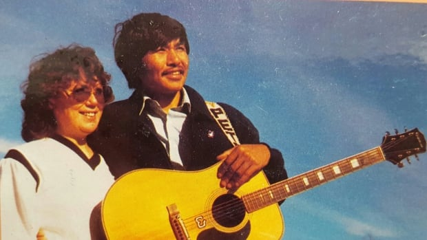 Peter Etulu Aningmiuq poses with his first wife, Susan, for the cover of an LP produced by CBC Music. Aningmiuq penned several classic Inuktitut country songs.
