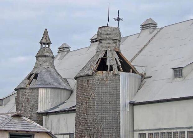 damage to Van Horne barn