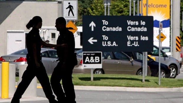 The number of same-day car trips from Canada to the United States in December plunged 25 per cent from a year earlier, Statistics Canada says.