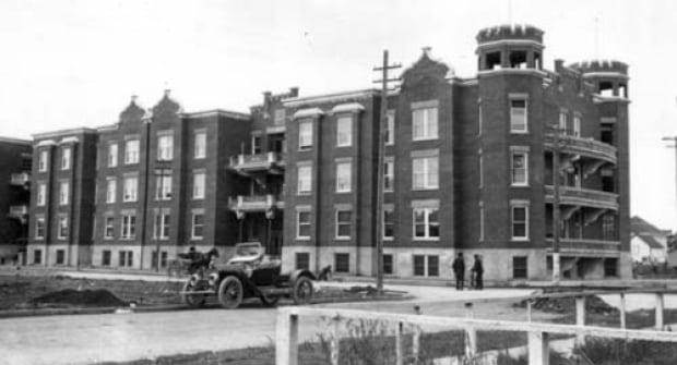 Devinish Building