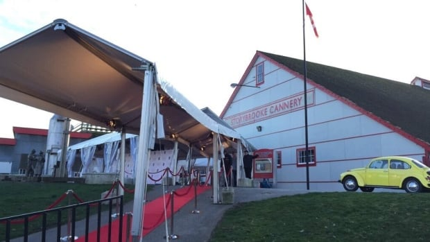 The Gulf of Georgia Cannery has been transformed into the Storybrooke Cannery for a one night only gala.