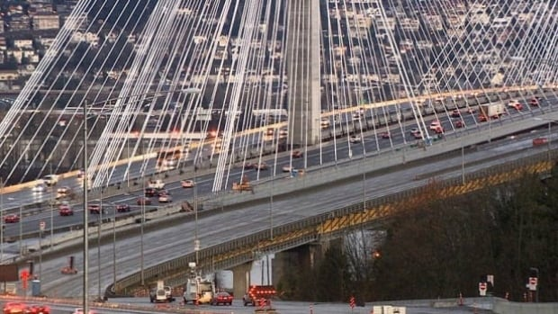 The Crown corporation that manages the Port Mann bridge is offering drivers a $10 credit to switch to paperless billing