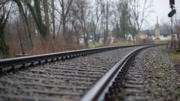 The cost to construct the new railway and pipeline would fall between $28 billion and $34 billion, says the report.