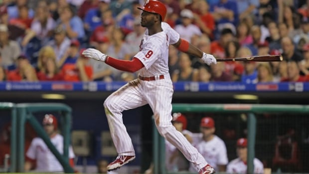 The Blue Jays have signed left-handed-hitting outfielder Domonic Brown to a minor league contract and invited him to their spring training camp in Dunedin, Fla.
